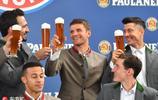 巴伐利亞Style!拜仁眾將歡度啤酒節 賀壽托馬斯-穆勒