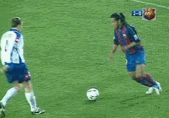GIF-那個不可思議的桑巴足球精靈,迎來了39歲的生日!