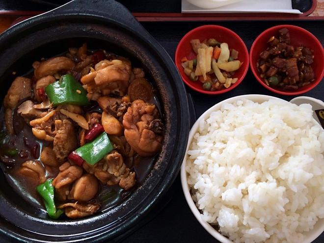 這三大餐飲勢力幾乎遍佈全國各地,已成為中國平價小吃的代名詞?