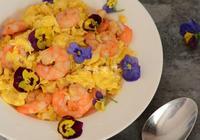 花吃三色堇蝦仁滑雞蛋