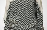 12月剛出的,歐版毛衣,太火了,搭大衣太洋氣,奔四女人穿就美
