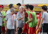 裡皮在戰勝菲律賓後表示:國家隊球衣是20公斤的,比俱樂部的更重。對此你怎麼看?