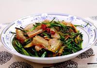 它是一味中藥也是一種菜,常吃對胃熱胃酸有一定緩解作用