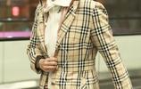 46歲陶虹素顏亮相機場,網友:皮膚保養得很好像少女