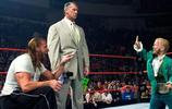 這個男人身高只有1米34,卻拿到WWE冠軍,還被外媒評為勵志哥