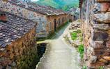 福建的歷史文化名村,房子用亂石塊砌成如同古堡,遊客不多