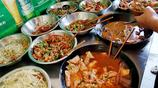 實拍:偶遇湘西自助餐,12元錢吃到撐,被這裡豐富的菜品驚到了!