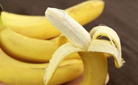 經常睡不著嗎?別喝牛奶、吃香蕉了,你最應該做的是這些事