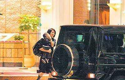 袁詠儀過生日,張智霖花2000萬港元,可袁詠儀更想要的是永遠疼愛