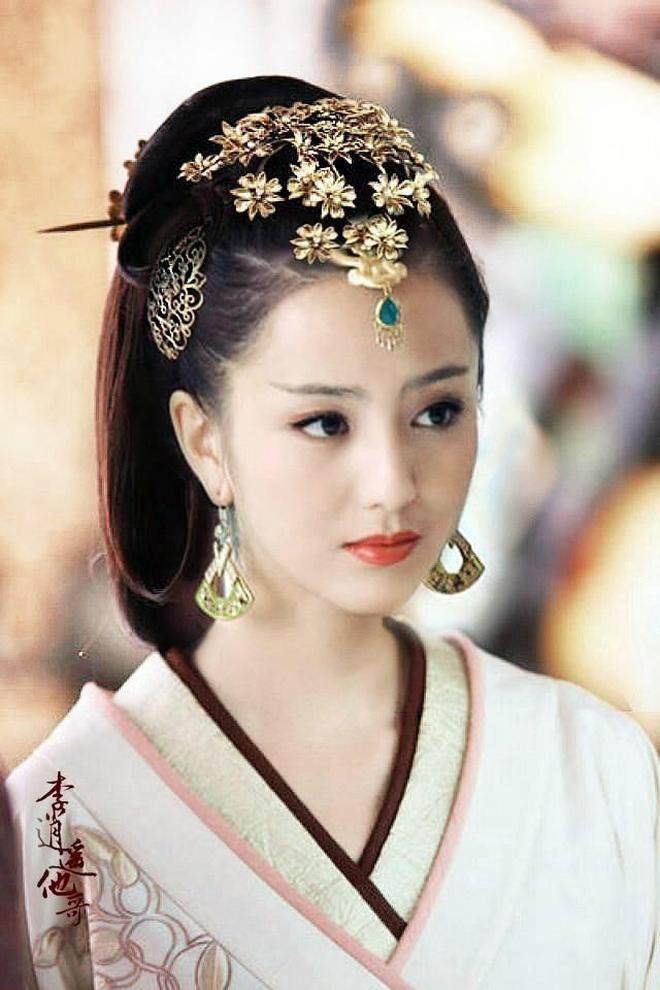 當紅女星古裝造型 劉詩詩、劉亦菲、楊冪、趙麗穎,你更喜歡誰呢