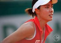 王薔在微博晒表情包!網球笑稱王薔被網球耽誤了的演員