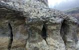 湖北一村民在深山發現一塊怪石,有人出價10萬他不賣