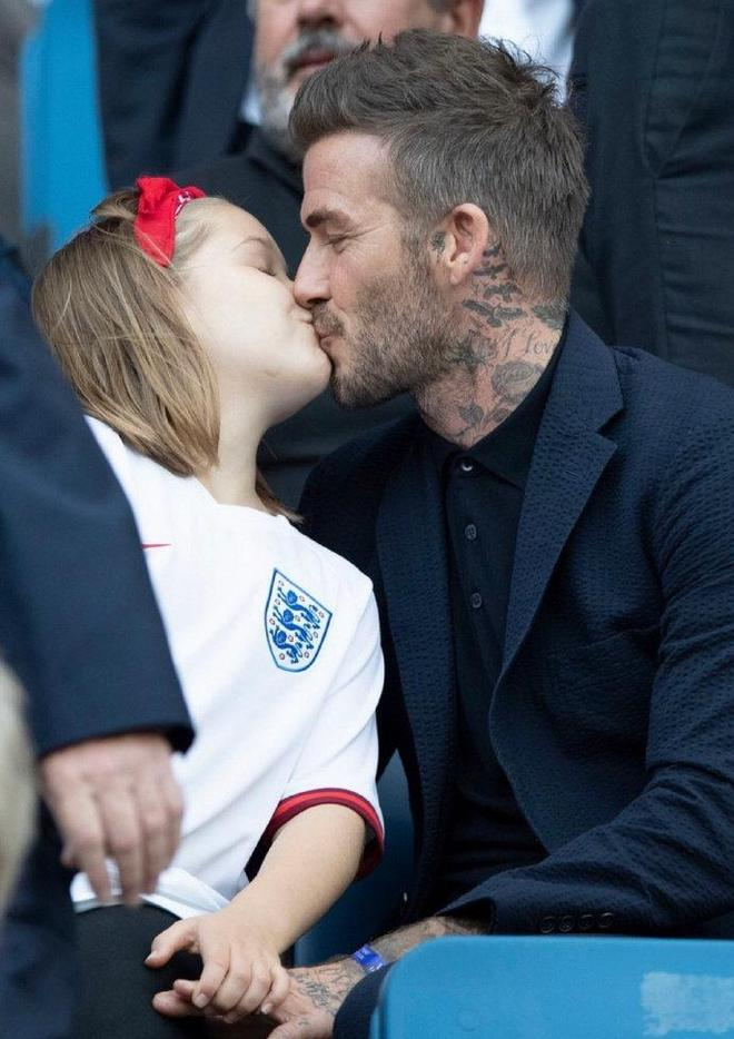 貝克漢姆帶女兒小七現身勒阿佛爾觀看女足世界盃