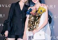 李沁與唐藝昕合影有心機,大長腿又白又直,讓人移不開眼睛