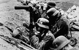 二戰老照片:德軍墓地都是萬字符 德國虎式坦克在庫爾斯克激戰