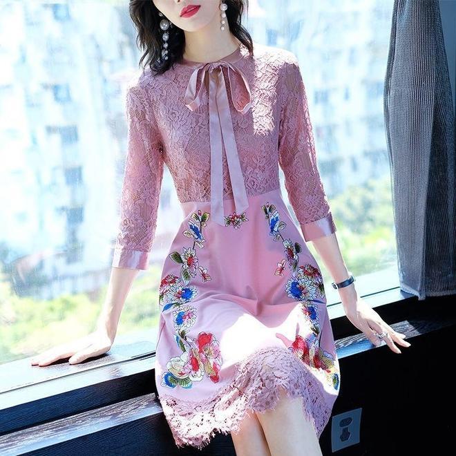 70後微胖女人度假怎麼穿,9款裙子請收下,顯瘦優雅大方又美嫩