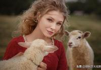 俄羅斯攝影師鏡頭下的農村女孩,網友:要能娶到就賺了
