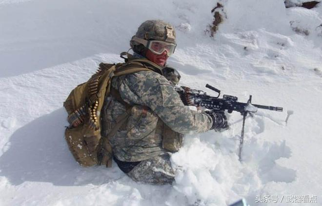 """軍事丨美國海軍特種部隊,裝備的""""特種作戰""""改進型機槍"""