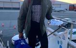 冬裝上身!凱爾特人球員登機前往亞特蘭大