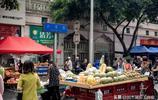 """成都每個星期五在天府廣場旁邊有個""""小新疆"""",你去過嗎?"""