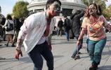 實拍法國街頭的殭屍遊行現場,大批美女著護士裝上陣