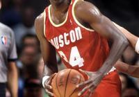 在NBA聯盟中有一個人,奧尼爾承認打不過他,喬丹稱最想成為他!