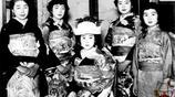 日本明治後期的新娘裝束,雖然有些嚇人,但是圖9新娘還挺漂亮的