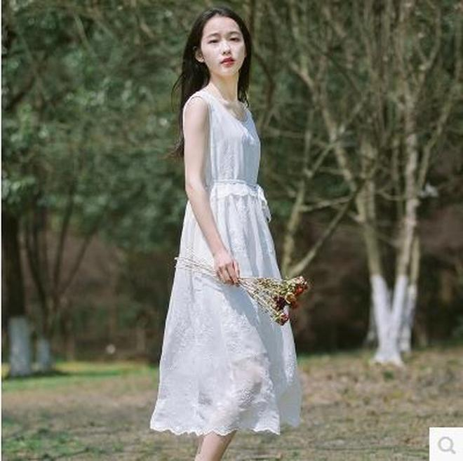 方便出行的12件寬鬆雪紡裙,皮膚暗黃女性穿上超顯白,優雅清新