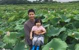 女兒要富養!高管父親辭職郊區種蓮花,只因女兒愛吃蓮子