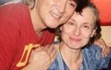 歌壇巨星周華健58歲了,看了他與混血兒子的合影,原來基因真強大