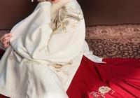 漢服斷代了幾百年,如今卻依然有人穿,這是為什麼?清朝的長衫有人穿嗎?