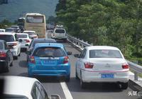 跟車距成超車天堂,你是急著見上帝嗎?恐怖的高速路開車習慣