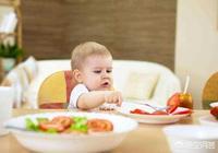 寶寶一歲一個月了,你給寶寶吃什麼輔食呢?