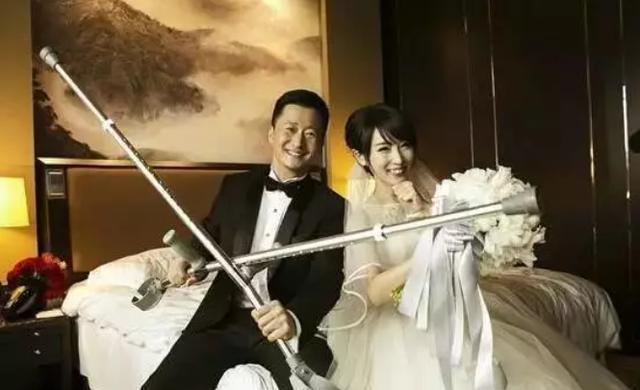 """謝楠7年前初次採訪吳京竟被""""調戲"""",謝楠愛他不易!"""