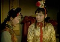 《紅樓夢》裡的茜雪是不是被寶玉攆走的?