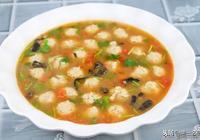 酸酸甜甜番茄肉丸湯,肉丸緊緻嫩滑,湯汁清爽可口,家常養生靚湯
