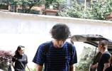 林更新王麗坤又遭偷拍,煙癮大還摳腳,網友:今天終於要官宣了?