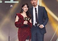 陳赫親臨企鵝電競年度盛典為自己的隊員頒獎 帥爆了引起全場歡呼