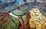 當兩支河流相遇時,形成驚人的交匯線