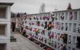 實拍俄羅斯火葬場工作場景,每隔十分鐘攪動一次骨灰