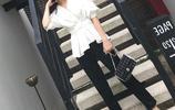 闊腿褲過時了,聰明女人都在挑這樣的小腳褲套裝,穿著特時髦