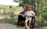 農村七旬老夫妻養大三個兒女,現在又在養孫子,看他們活成啥樣子