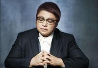 韓紅為慈善下跪,周潤發捐了56億,而他實名捐1分錢