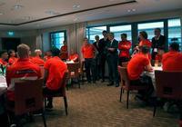 奧地利總統到奧國家隊下榻賓館看望球隊