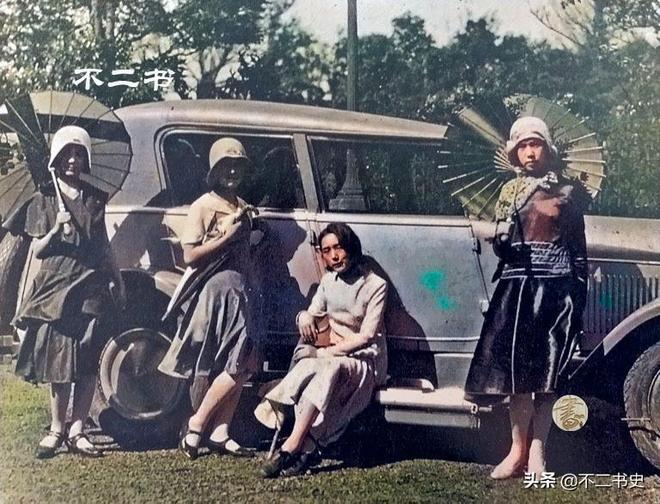 20世紀30年代的日本:裕仁天皇軍校閱兵、西式裝扮的姑娘