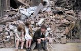 真實二戰現場:圖2醫院被德軍炸燬,圖4孩子失去父母流落街頭!