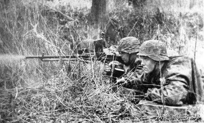 美英3.5萬名傘兵空降,結果成了德軍機槍手的打靶遊戲