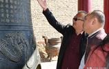 內蒙古包頭呂祖廟有一口鐘,光緒年間鑄造,上面圖案讓人感嘆