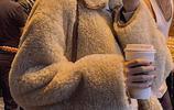 """實不相瞞,今年流行""""羊羔絨+毛呢褲"""",小個子穿,顯高顯瘦,美"""