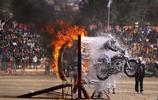 看到印度的摩托車後,突然感覺買轎車完全就是一種浪費